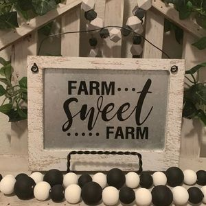 Hobby Lobby Accents - Farmhouse Farm sweet Farm picture